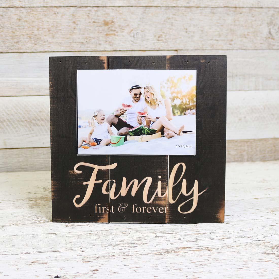 Family Forever Photo Frame 3D Freestanding 6x4 Wooden Brown /& Cream SG1577